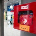 Défibrillateur en entreprise et en lieu public